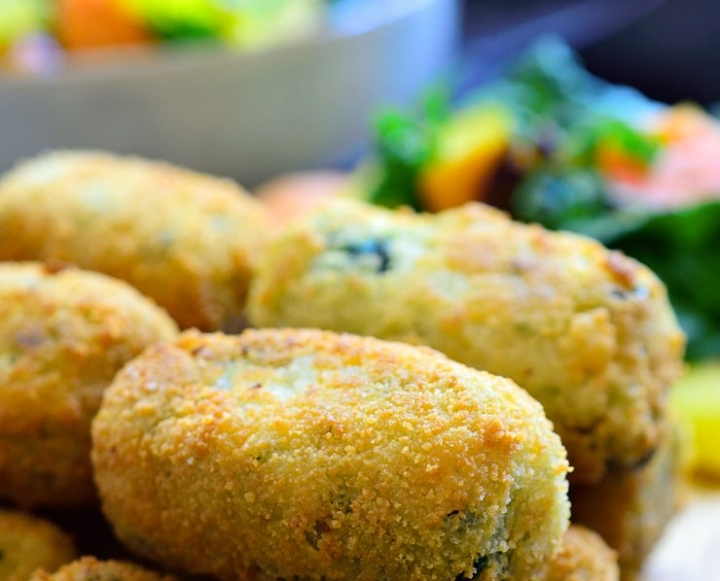 Potato, mushroom, carrot, broccoli and spinach croquettes